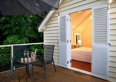 Cottage-1st-floor-deck-bedroom1
